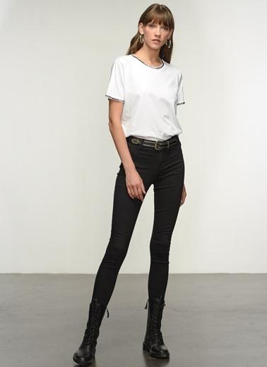 NGSTYLE Ngkaw21Ts0015 Metal Işlemeli Tshirt Beyaz